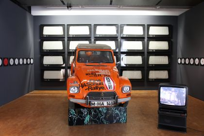Aktion 20,000 km 1970, Real Tableau      Permanently on loan, from the artist to the ZKM Karlsruhe